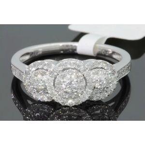 Beautiful 0.60 carat 10k white gold diamond